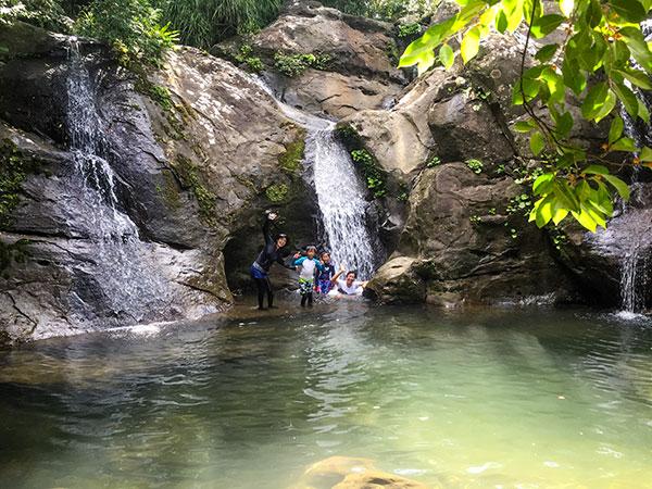 人の少ないマヤロックの滝
