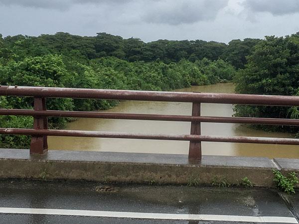 濁っているユツン川